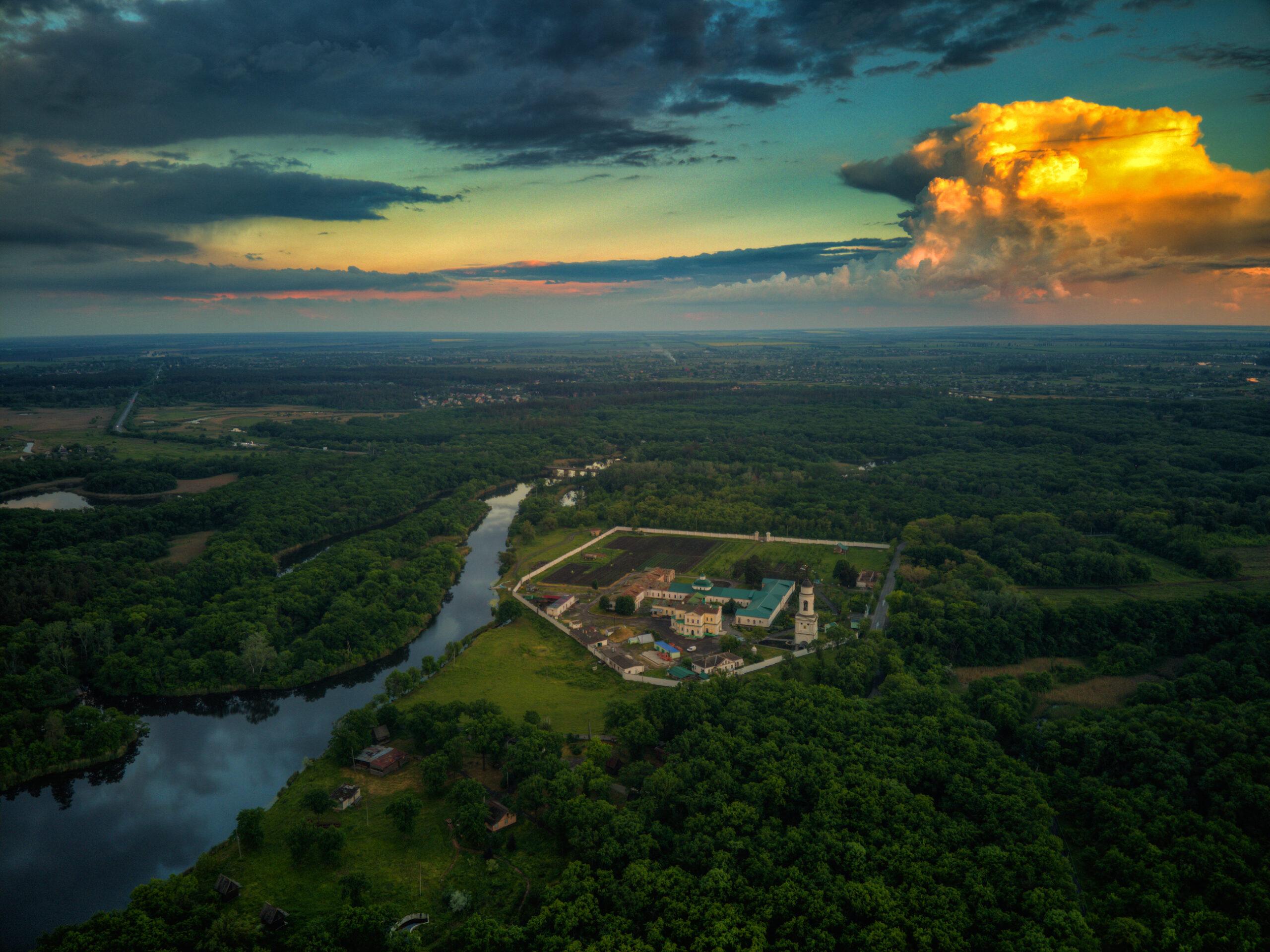 Грозовой закат над Монастырем, май 2021